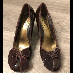 Pre-owned Womens Franco Sarto pumps - Size 9M